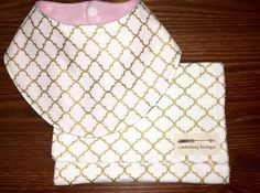 Bandana Bib and Burp Cloth set, Gold, Quatrefoil, Pink by LondonGreyBoutique on…