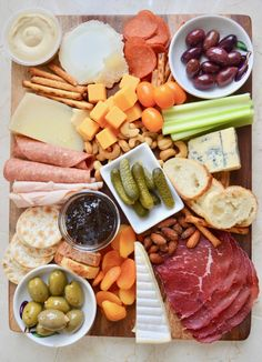 How to Build the Ultimate Charcuterie