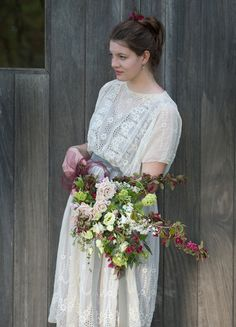 Beautiful spring wedding inspired shoot with floral designs by Flowers & Daughters | Flowerona