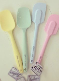 I <3 everything from this store, especially all the pastel spatulas ! http://www.leilasgeneralstore.com/en