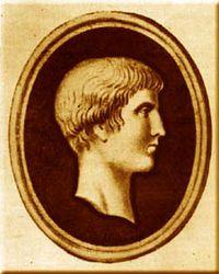 """Marco Valerio, """"Ex general romano. Su historia se dio a conocer gracias a la película que protagonizó Russell Crowe en """"Gladiator"""" con el nombre de Maximus Decimus Meridius """"El Hispano"""", nacido en Mérida (Extremadura). El auténtico vivió a finales del siglo II d.C (Año 180) y fue muy conocido en su época, sobre todo cuando el espectáculo de los gladiadores iba a menos y otra causa fue que el Imperio Romano era ya prácticamente cristiano."""""""
