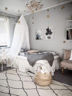 Delightful teen girl bedrooms ideas for one smart teen girl room decor, pin example 6094291154 Baby Bedroom, Home Decor Bedroom, Diy Room Decor, Room Decorations, Bedroom Ideas, Teen Girl Bedrooms, Little Girl Rooms, Pantone Azul, Kid Beds