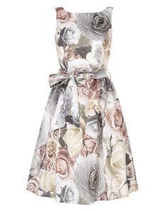 Resultados de la Búsqueda de imágenes de Google de http://www.weddingdresses.org.uk/wp-content/uploads/2012/05/rosie-belted-dress.png