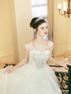 シンデレラ | プリンセスドレス | セカンドコレクション | ディズニー ウエディング ドレス コレクション Cheap Wedding Dresses Online, Cinderella Wedding, Chapel Train, Vogue Magazine, Beaded Lace, Lace Dress, Ball Gowns, Tulle, Glamour