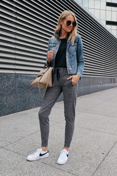 Apr 2019 - These grey joggers from the 2018 Nordstrom Anniversary Sale are perfect to add to your wardrobe for an athleisure outfit. Great for errands & travel! Trendy Outfits, Winter Outfits, Cute Outfits, Fashion Outfits, Womens Fashion, Ladies Fashion, Casual Sporty Outfits, Fashion Ideas, 70s Outfits