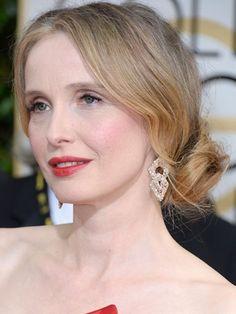 Julie Delpy's Side-Swept Romantic Chignon at the 2014 Golden Globes
