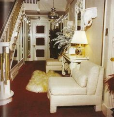 Foyer inside Graceland in 1977                                                                                                                                                     More