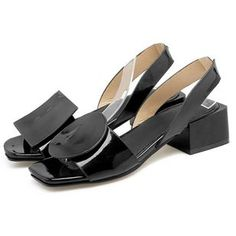 Plus Size New summer square heels women sandals ladies white and black open toe Rome beach shoes Fashion Casual sandals Chunky Heel Shoes, Low Heel Sandals, Low Heel Shoes, Low Heels, Shoes Heels, Latest Ladies Shoes, Beach Shoes, Buy Shoes, Fashion Shoes