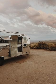Women on the Road- Alongside her wife and daughter, after loss and revival, Kate Oliver is back on the road living in her second self-renovated Airstream trailer and running a business traveling to and renovating vintage Airstreams.