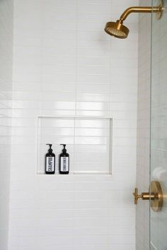 Amber Plastic Shampoo and Conditioner Dispenser Set Barn Wood Bathroom, Rustic Bathroom Vanities, Hall Bathroom, Upstairs Bathrooms, Bathroom Renos, Bathroom Interior, Master Bathroom, Dyi Bathroom, Remodled Bathrooms