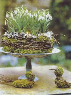 » bohemian life » spring equinox » boho decoration ideas » easter » decorative eggs » golden accents » feathers & flowers » nontraditional living » elements of bohemia »