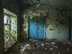 The locker room...   #urbex #urbex_utopia #urbexing #urbex_world #abandoned #abandonedplaces #abandonedafterdark #abandoned_world #postapocalypse #abandoned_addiction #urbanexploration #explorer #urbex_rebels #tv_urbex #jj_urbex #decay #decay_nation #oldbuildings #architecturelovers #gloomy_side_views #blue #grime_lords #grime #darkness_lover #noir_lovers #leeds #door #wood #total_abandoned #abandoned_junkies