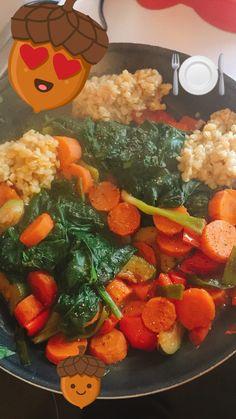 Veggiepfanne, Blattspinat, rote Linsen - cleaneating