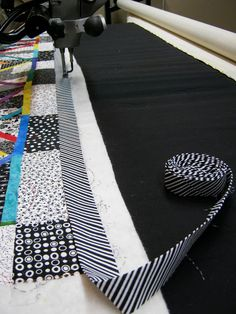 ...laugh yourself into Stitches: The trip around my longarm...a brief binding tutorial