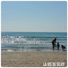 Selky revient sur sa semaine, en mots et images, avec de la danse hypnotique, de la bougie, de la famille, de château de sable et de la baby shower insaïdeSelky revient sur sa semaine – S15E04-01jpg (8)