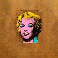"""#AlessiaTedeschi Alessia Tedeschi: """"Sognate in grande, non c'è altro da fare. Per quanto ne sappiamo, ci è concessa una sola occasione, quindi abbandonate le vostre paure e vivete i vostri sogni."""" Marilyn Monroe #andywarhol #moma #modern#art#museum #nyc"""