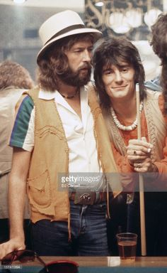 "Eric Clapton & Ronnie Wood by Ed Caraeff - Malibu Nov 21 Recording session at Shangri-La Recording Studio for Eric Clapton's ""No Reason To Cry. Ronnie Wood, Music Icon, My Music, Freddie Mercury, Jack Bruce, Ron Woods, Musica Pop, The Yardbirds, Pop Rock"