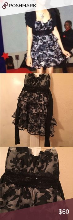 Black & Grey Formal Dress Black and grey mini formal dress. Layered beaded front dress with tie in back. Dress states 5/6, but definitely not a 5 or 6. Purchase from Macys junior section. Posted a size 4 but says 5/6 Dresses Strapless