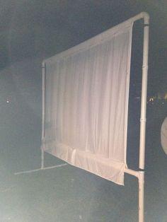 DIY Outdoor Movie Screen (low cost) standing design