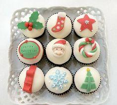 christmas cup cake   Carpe Cupcakes!: It's December! Holiday Cupcakes