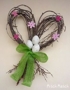 uniquely shaped folk prim shabby chic easter door wreath Misch Masch by Simona: . Easter Wreaths, Holiday Wreaths, Holiday Crafts, Easter Garland, Nature Crafts, Decor Crafts, Diy And Crafts, Deco Floral, Arte Floral
