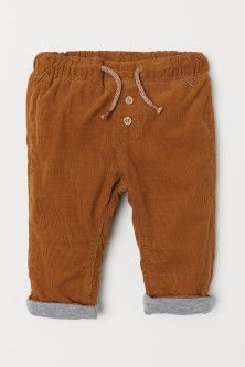 Pants in soft, narrow-wale cotton corduroy. Adjustable, elasticized drawstring waistband and mock fly with decorative buttons. Fall Family Photo Outfits, H&m Baby, Cool Kids Clothes, Kids Pants, Corduroy Pants, Baby Girl Fashion, Baby Boy Outfits, Kids Outfits, Kids Wear