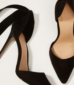 ankle bow pumps