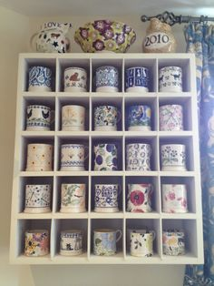 Emma Bridgewater mug collection. Could do with this sort of shelving in the cupboard! I Love Coffee, Coffee Shop, Dresser Inspiration, Emma Bridgewater Pottery, Mug Display, Vintage Kitchen, Vintage Crockery, Cute Mugs, Organizer