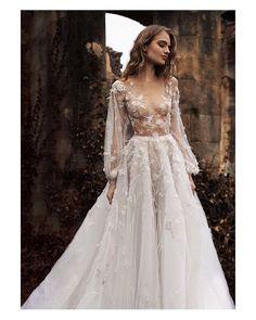 HPPY FRIDAY #goodmorning #buenosdías #wedding #weddingday #boda #bride #bridetobe #bridal #onedaybridal #onedaybride #novia #groom #bridaldress #vestidodenovia #weddingdress #princesa #princess #style #sexy #inlove #amazing #espectacular #beautiful #stunning #weddinginspiration #inspiration #love #like #picoftheday #siempremia