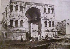 Visitatori all'Arco di Giano,al Velabro Anno:1860
