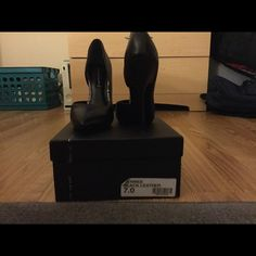 Steve Madden Newbiee Heels Black leather Newbiee heels lightly worn Steve Madden Shoes Heels