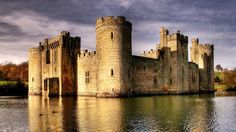 #10 Bodiam Castle in England  -   15 Most Breathtaking Abandoned Places in the World