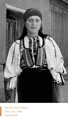 Popular Folk Embroidery Woman from Saliste, Sibiu, Romania, 1928 Uncredited Hungarian Embroidery, Folk Embroidery, Learn Embroidery, Modern Embroidery, Embroidery Patterns, Costume Castle, Folk Costume, Traditional Dresses, Fashion Art