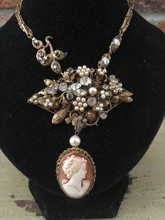 Cameo Jewelry, Cameo Necklace, Jewelry Box, Jewelry Making, Vintage Jewelry, Handmade Jewelry, Jewelry Crafts, Shell, Found Object Jewelry