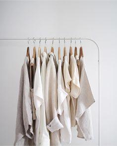 Daisaie minimalist clothing rack curated by ajaedmond Minimalist Shoes, Minimalist Home Decor, Minimalist Wardrobe, Minimalist Design, Minimalist Clothing, Minimalist Style, Minimalist Architecture, Modern Design, Minimal Chic