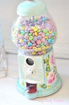 pastel m's into our candy dispenser. Inspiration (See How She makes over Vintage Gumball Machines into these lovelies) :) Deco Pastel, Pastel Candy, Colorful Candy, Pastel Decor, Bonbons Pastel, Girly Things, Cool Things To Buy, Girly Stuff, Pastel Colors
