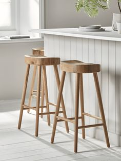 NEW Weathered Oak Counter Stool - Luxury Modern Kitchen Stools - Luxury Modern Stools - Modern Luxury Seating - Modern Home Furniture Rattan Counter Stools, Oak Bar Stools, Kitchen Counter Stools, Modern Bar Stools, Table Stools, Rattan Stool, Swivel Chair, Wooden Kitchen Stools, Wooden Breakfast Bar Stools