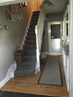 Love this hallway painted in Farrow & Ball 'lamp room grey' ♡ Entrance Hall Decor, Hallway Ideas Entrance Narrow, House Entrance, Small Entrance Halls, Stairs And Hallway Ideas, Hallway Colour Schemes, Hallway Colours, Colour Schemes For Living Room, Grey Walls Living Room