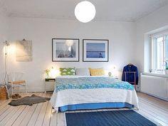 Muebles de dormitorio escandinavos: ¿cómo creo un interior espectacular? Furniture, Swedish Bedroom, Contemporary Bedroom Furniture, Scandinavian Bedroom, Bedroom Design, Furniture Arrangement, Floor Lamp Bedroom, Colorful Furniture, Interior Design Bedroom