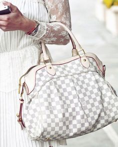 didn't think I needed another LV bag but this is gorgeous, with a beautiful, classic shape.