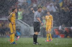 The rain in Kiev was so heavy the match between the Ukraine and France had to be suspended in the 5th minute for almost an hour. #Euro2012 #Ukraine