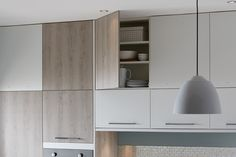 The mix and match modularity of the Universal range gives you endless possibilities to make your kitchen truly unique. Greenwich Light Grey Oak from The Universal Collection by Howdens Joinery. House Design, Grey Oak, White Gloss Kitchen, Free Kitchen Design, Kitchen Colors, Grey Kitchen, Kitchen Decor Modern, White Kitchen Cabinets, Kitchen