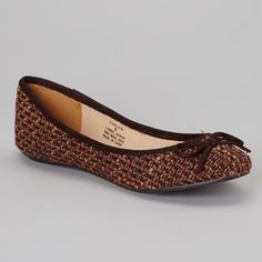 New | Matisse Brown Tweed Evelyn Ballet Flat 9.5 Sophisticated with a dash of sassy, these lovely patterned flats are the perfect finishing touch to any posh ensemble. The neutral hue and bow on the toes will stand out from the crowd and elicit lots of compliments.  Dark brown tweed upper made up of dark brown, lighter brown, dark red and rust colors. This shoe would complement many different color outfits -- think of it as a neutral shoe! Solid brown suede-like bow detail & piping. Rounded…