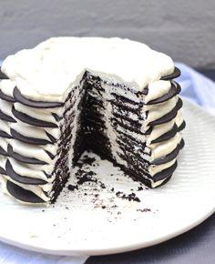 Bakery's Chocolate Wafer Icebox Cake My FAVE: Magnolia Bakery Chocolate Wafer Icebox Cake. Recipe at My FAVE: Magnolia Bakery Chocolate Wafer Icebox Cake. Recipe at Icebox Desserts, Icebox Cake Recipes, Köstliche Desserts, Frozen Desserts, Delicious Desserts, Dessert Recipes, Oreo Icebox Cake, Oreo Cookie Cake, Bakery Recipes