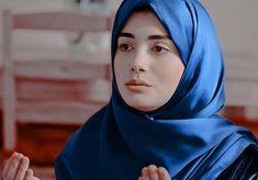 Hijab Dpz, Kurti Designs Party Wear, Turkish Beauty, Ulzzang Fashion, Turkish Actors, Celebrity Gossip, Vogue Men, Actresses, Chic