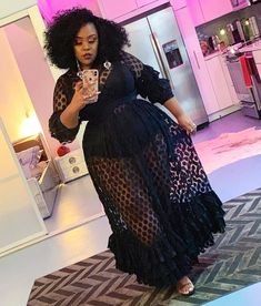 """Queen Charisma, Top Shelf BBW on Instagram: """"This is the only picture I took of myself in L.A. ... and I was fresh the whole time (duh). But. I was on go, enjoying the moment. 👗 from…"""""""