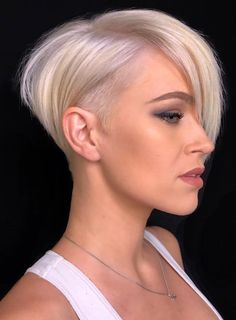 21 Best White Pixie Short Haircuts Ideas To Be Cool - - Short white pixie haircut, short haircut ideas, white pixie haircut, ash white hair color, short ha - Long Pixie Hairstyles, Short Pixie Haircuts, Haircut Short, Haircut Style, Style Hair, Blonde Haircuts, Short Asymetrical Haircuts, Short Asymmetrical Bob, Grey Haircuts