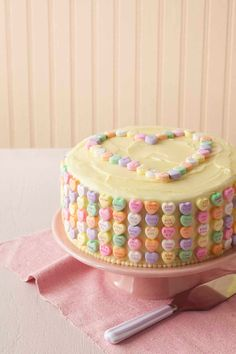 Valentine's Day recipes: Easy to make (and so yummy!) Valentine's Day Candy Cake