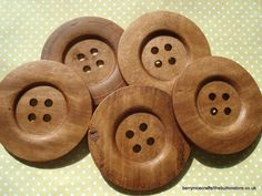 60mm Large Plain Oak Brown Wood Buttons    Pack of 5 buttons, four holes.    60mm / 6cm is approx 2 3/8 inches - see pic 4    Big, winter coat
