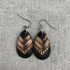 Wing Earrings, Simple Earrings, Boho Earrings, Etsy Earrings, Drop Earrings, Wooden Earrings, Wooden Jewelry, Leather Jewelry, Bois Diy